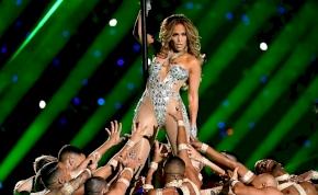 Jennifer Lopez és Emily Ratajkowski feneke még mindig tökéletes