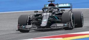 Visszatért a Forma-1, és Hamilton nem hagyott kétséget senkiben