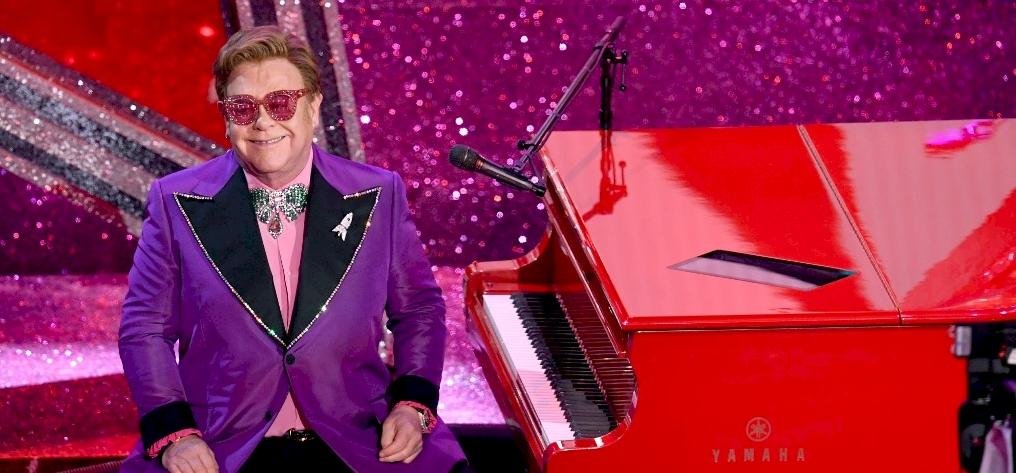 Hatalmas megtiszteltetés érte Elton John-t