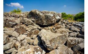 Művészi kővéseteket találtak a 4000 éves észak-izraeli dolmenekben