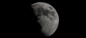 Rejtélyes, zölden csillogó trutymót találtak a Hold túloldalán