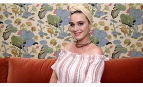 Jóbarátok-sztár lehet Katy Perry gyermekének keresztanyja