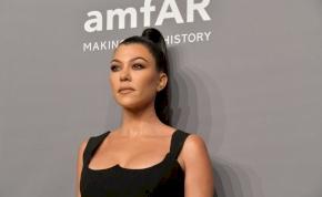 Kourtney Kardashian fenekéről fotósorozat készült – válogatás