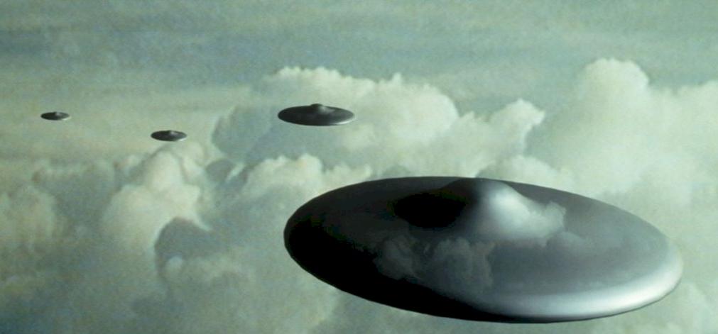 UFO-invázió! Március óta egyre több repülő csészealj jön a Földre - kiderült, hogy miért