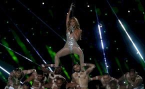 A szülinapos Jennifer Lopez megmutatta tökéletes testét