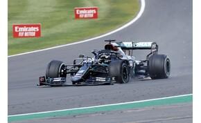Defektes gumival nyerte meg a brit nagydíjat Lewis Hamilton