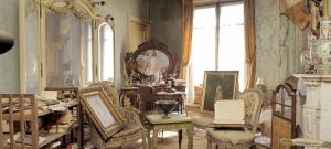 70 évig nem lépett ember ebbe a lakásba, amikor kinyitották, elképesztő dolgokat találtak – videó