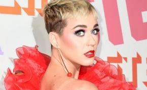 Katy Perry olyan terhestáncot lejtett, hogy majdnem megindult a szülés – videó