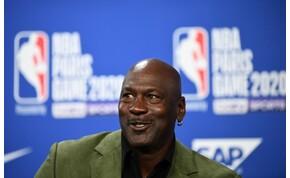 Elképesztő összeget fizettek Michael Jordan első szerződésének másolatáért
