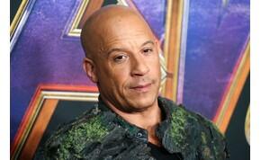 Vin Diesel egy bárban énekelt, aztán leütött egy testőrt – videó