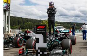 Lewis Hamiltonnak a Belga Nagydíjon sem volt ellenfele