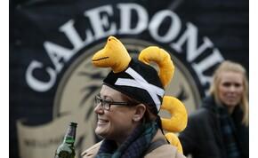 Különleges mezzel vonzaná a közönséget a Loch Ness FC