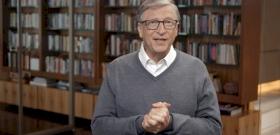 Ki lehet ilyen nagy ember, hogy Bill Gates tortát készít neki? – videó