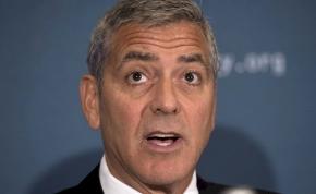 37 év után bemutatják George Clooney elveszett, medvés horrorfilmjét