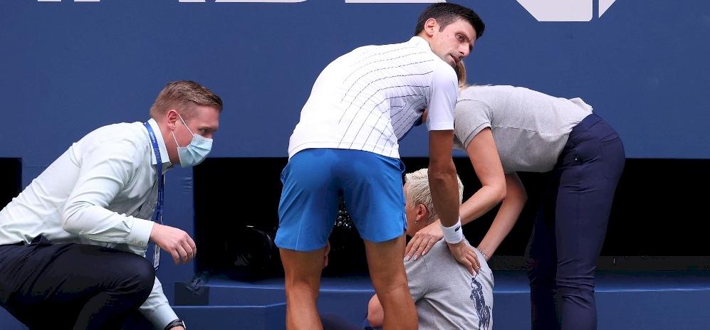 Dühből ütött Djokovic, kizárták a US Openről - videó