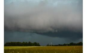 Kedden napsütés és zápor is várható – veszélyjelzést adtak ki