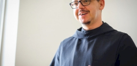 A bencés szerzetes prédikációjába beleszőtte a Fradi-edző cseréit