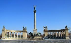 Kínában felépítették a budapesti Hősök terét