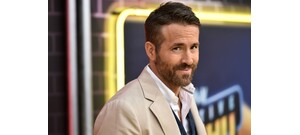 Ryan Reynolds sokkoló gondolata: vajon hogy nézne ki Dwayne Johnson frufruval?