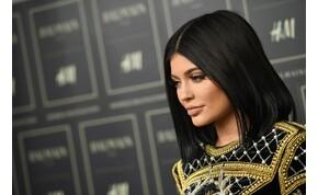 Kylie Jenner a mellével, Demi Rose a fenekével hódít – válogatás