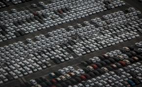 Autót ajándékozott több mint 4000 dolgozójának egy kínai cég