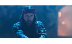 Nicolas Cage megint megvadul, és karddal megy neki egy űrlénynek – Jiu Jitsu-előzetes