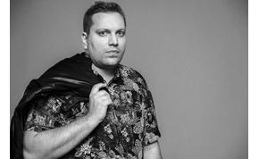 Megdöbbentő vallomás: sokáig nem tudta elfogadni magát a magyar énekes – interjú