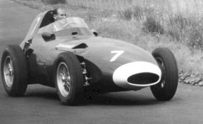 Egy legendás Formula 1-es autót élesztenek újra
