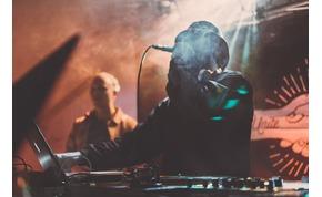 Kórházba került, és meg is műtötték a magyar DJ-t
