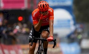 Benett nyert a Vueltán, a Giro rövidebb szakaszt teljesített
