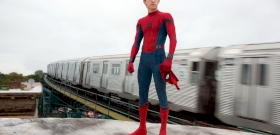 Tom Holland iPaden kapta meg a Pókember 3 forgatókönyvét, majd rögtön eltörte – videó