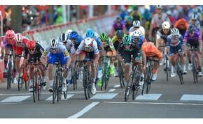 Egy könyökös miatt bukta a versenyt a kerékpáros