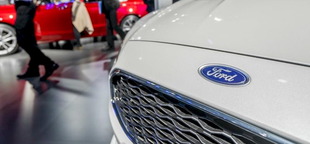 Elektromos furgonnal jelentkezik a Ford