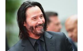 Keanu Reeves 21 éve segített egy idegennek, akiből végül Oscar-díjas színésznő lett