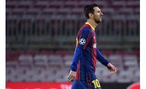 Messi néha már túl látványosan nem akar védekezni – videó