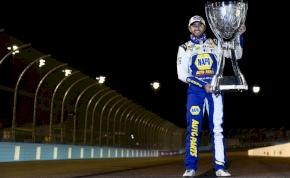 A NASCAR új bajnokát Chase Elliottnak hívják