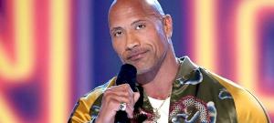 Dwayne Johnson kellemetlen helyzetbe került a hatalmas izmai miatt – kép