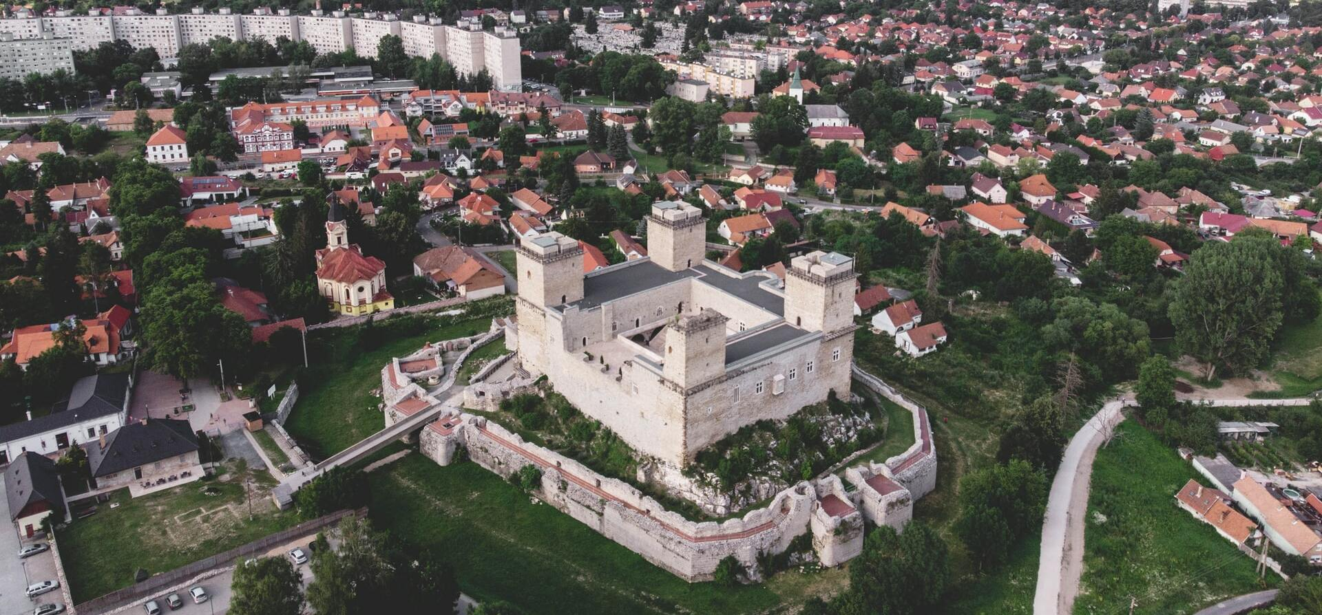 Kvíz: tudod, hogy melyik magyar várost hívják a Nyugat Királynőjének?