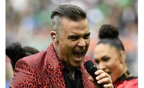Robbie Williams egy zseniális karácsonyi koronavírus-dallal lepett meg minket – videó