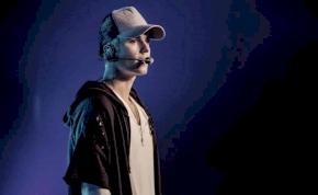 Kikészítette egy rajongó Justin Biebert és a feleségét