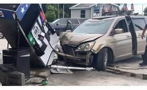 Driftelés közben zúzta le a benzinkutat egy sofőr – videó