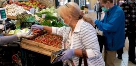 Máris eltörlik az idősek vásárlási idősávját