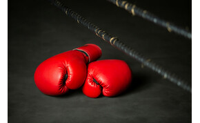 Könyv jelenik meg a világhírű magyar bokszolóról