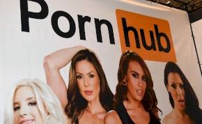 Folytatódik a PornHub-botrány: 23 milliárdra perelte 40 nő a céget
