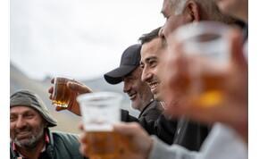 Mától tilos közterületen alkoholt fogyasztani