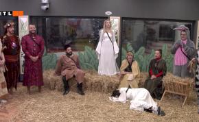 VV10: VV Gina volt a kis Jézus, míg VV Vivi a tehén betlehemezéskor