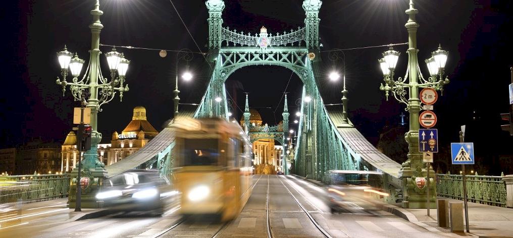 Változik a buszok és a vonatok közlekedése szilveszterkor – erre figyelj!