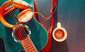Saját kávémárkát indított a világ egyik leghíresebb gitárosa