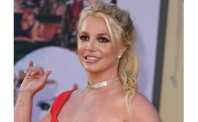 Britney Spears bugyiban adott elő erotikus táncot, de olyan volt, mintha démont idézne - videó