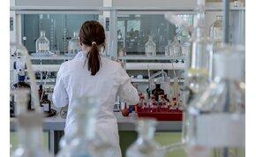Készül a magyar vakcina? Hazai készítmény segíthet a vírus elleni küzdelemben